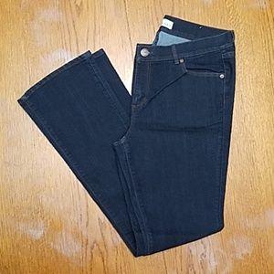 LOFT Modern Boot Jean's in indigo rinse.